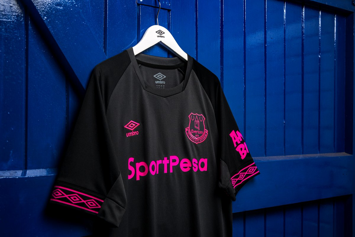 Everton 2018-19 Umbro Away Kit