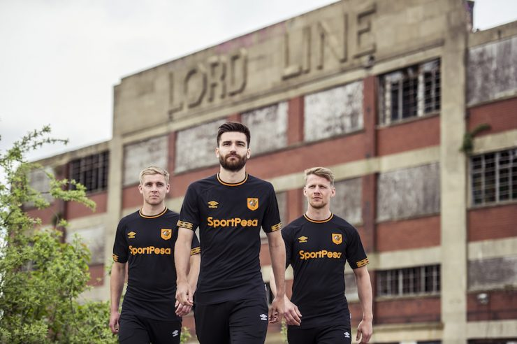 Hull City 2018-19 Umbro Away Kit